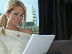 Peaches MILF Jessica Drake is a author that would like to fulfill their way sex fantasies. Will not hear of dreams are about having sex with handsome elegant man from the past. She would share their way bed with that man.