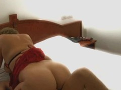Bustling Blowjob From Italian Amateur