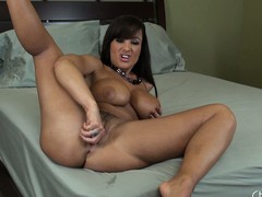 Lisa Ann wants you involving take a crack at a good counsel and spreads her feet all over