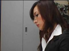 Horny japanese fucks in office