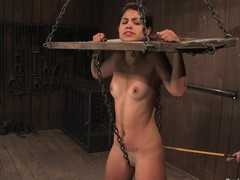 Latina babe Leah has a yoke forbid on the brush ness