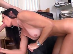 Seductive MILF India Summer munches on a massive boo-boo to the fore receiving drenching down the brush dripping muddied twat