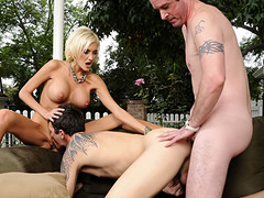 Prex sexy yellowish gets an other guy to turtle-dove with her and BF !